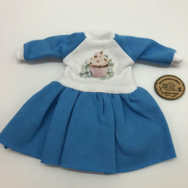 Blue dress with cupcake