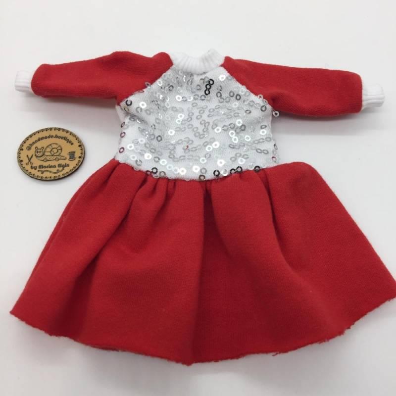 Rotes Kleid mit glitzerndem Top