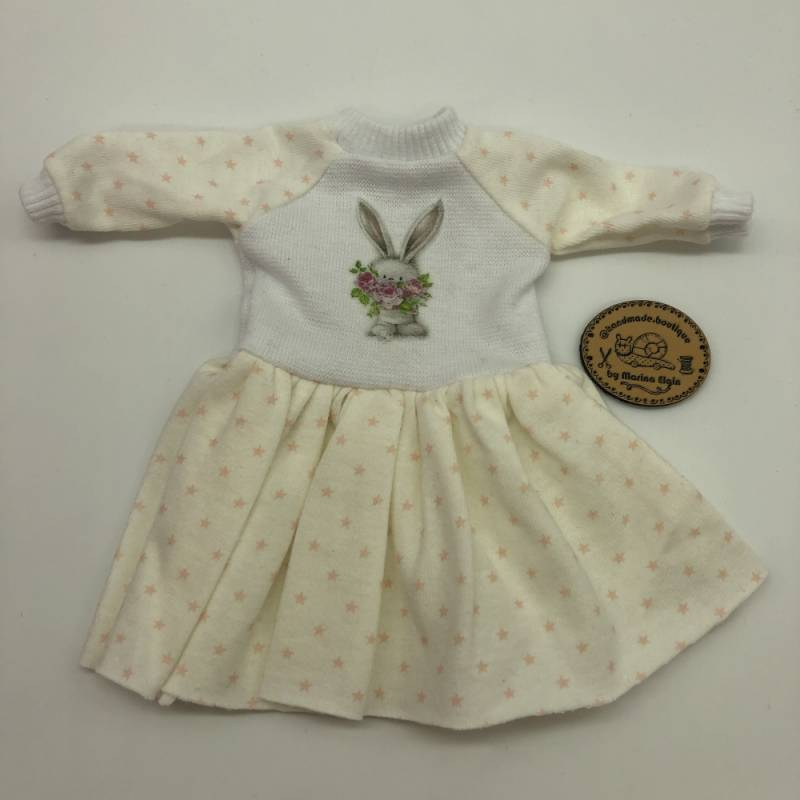 Ecru dotted dress with rabbit