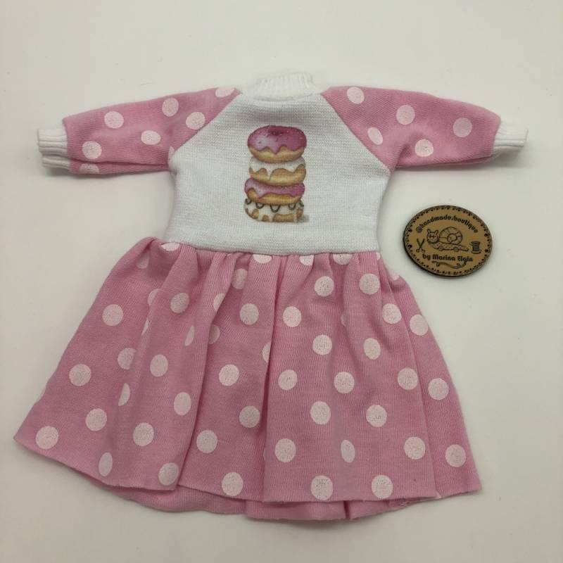 Rosa gepunktetes Kleid mit Donuts