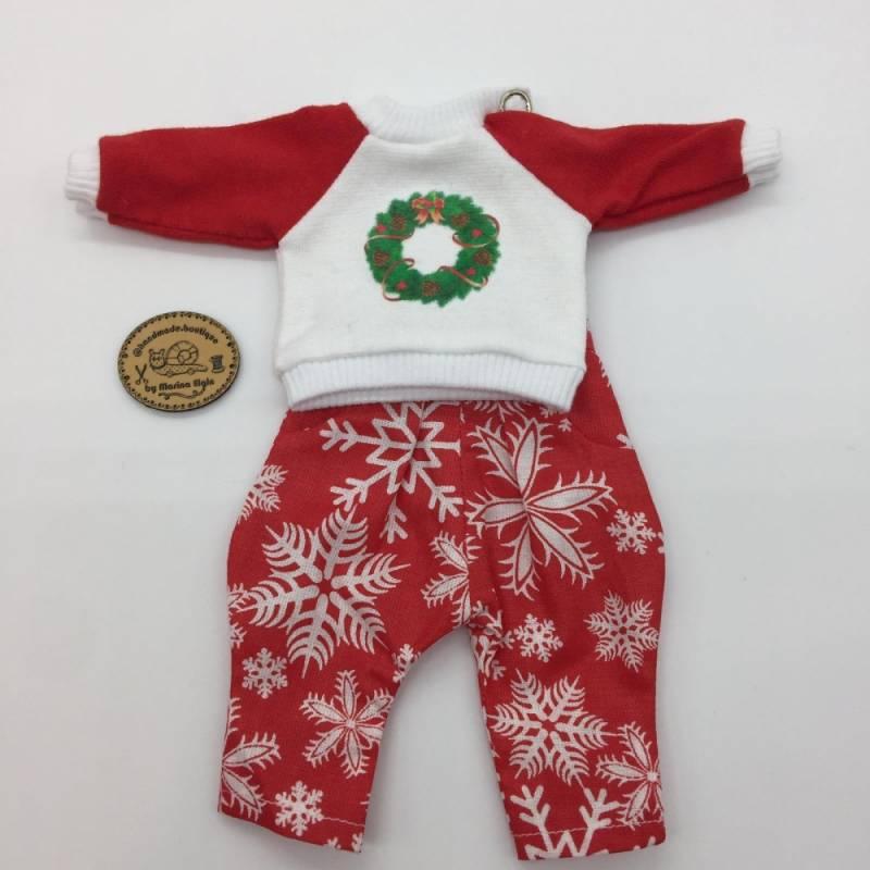 Weihnachtliche Hose und Sweatshirt mit Kranz